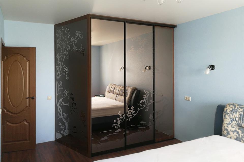 гардеробный шкаф в спальню угловой