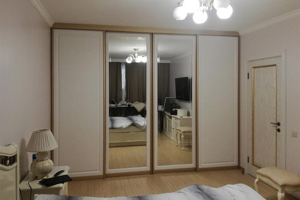 шкаф купе с зеркалом в спальню
